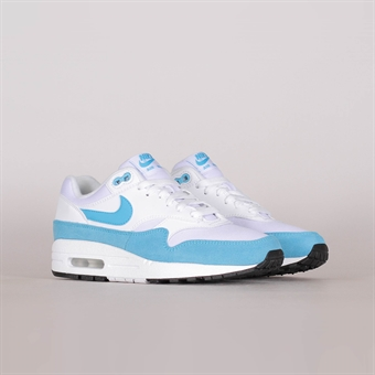 quality design cf172 45ece Nike Womens Air Max 1