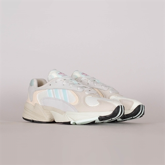 classic fit c62f3 ea346 Adidas Originals Yung-1