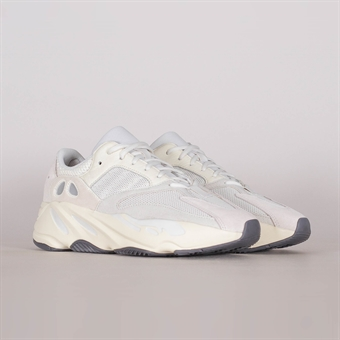 sneakers for cheap 509f9 16ffa Adidas Yeezy Boost 700 Analog